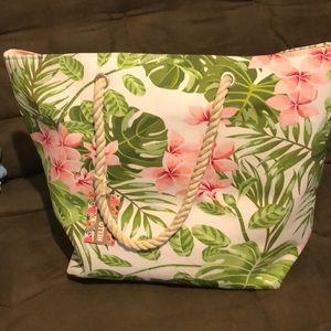 Handbags - NWT Floral Beach 🏖 Bag
